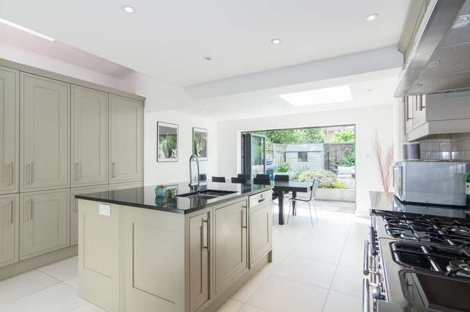 3 Bedrooms Terraced House for sale in Duke Road, Chiswick