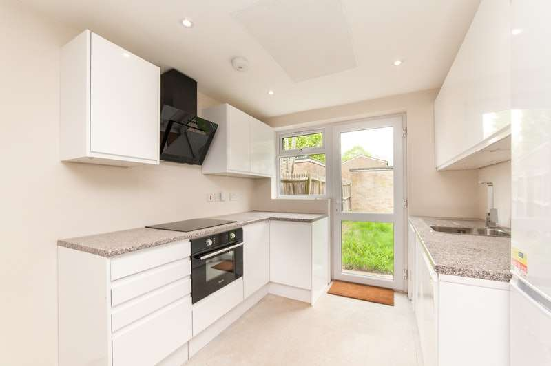 2 Bedrooms Apartment Flat for sale in Chester Road, Stevenage, Hertfordshire, SG1