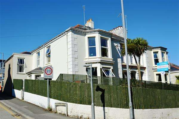 3 Bedrooms Maisonette Flat for sale in FALMOUTH