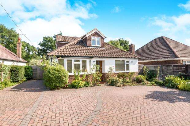 4 Bedrooms Bungalow for sale in West End, Woking, Surrey