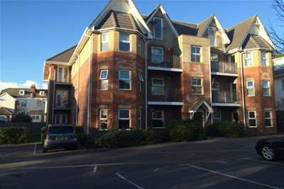 2 Bedrooms Flat for rent in Florence Road, Boscombe