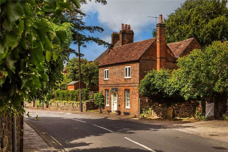 4 Bedrooms Detached House for sale in High Street, Limpsfield, Surrey, RH8