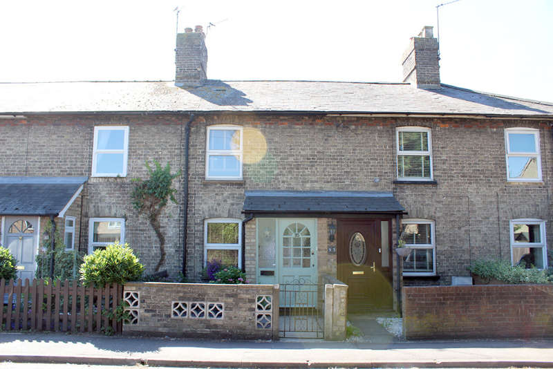 2 Bedrooms Terraced House for sale in Mill Road, Royston