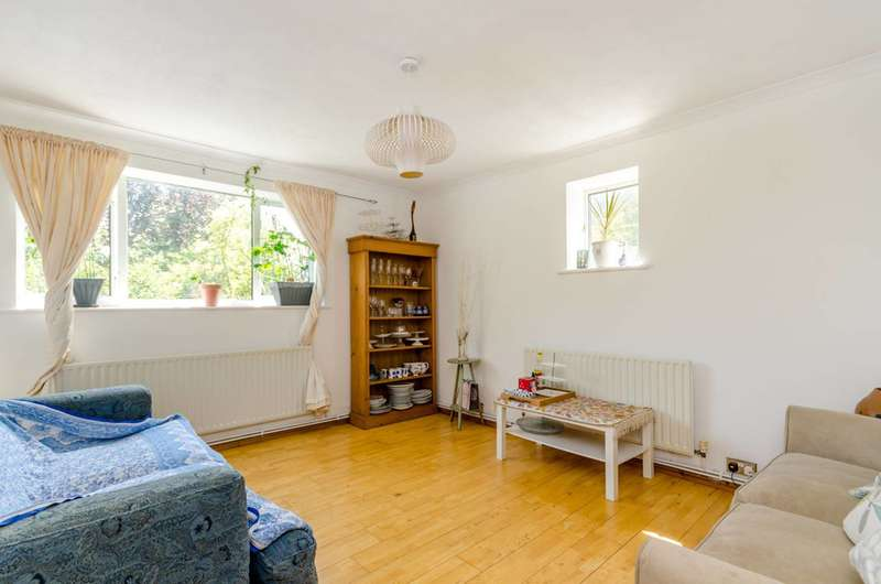 1 Bedroom Flat for sale in South Norwood Hill, Crystal Palace, SE25