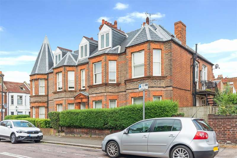 4 Bedrooms Flat for sale in Chapter Road, Willesden Green