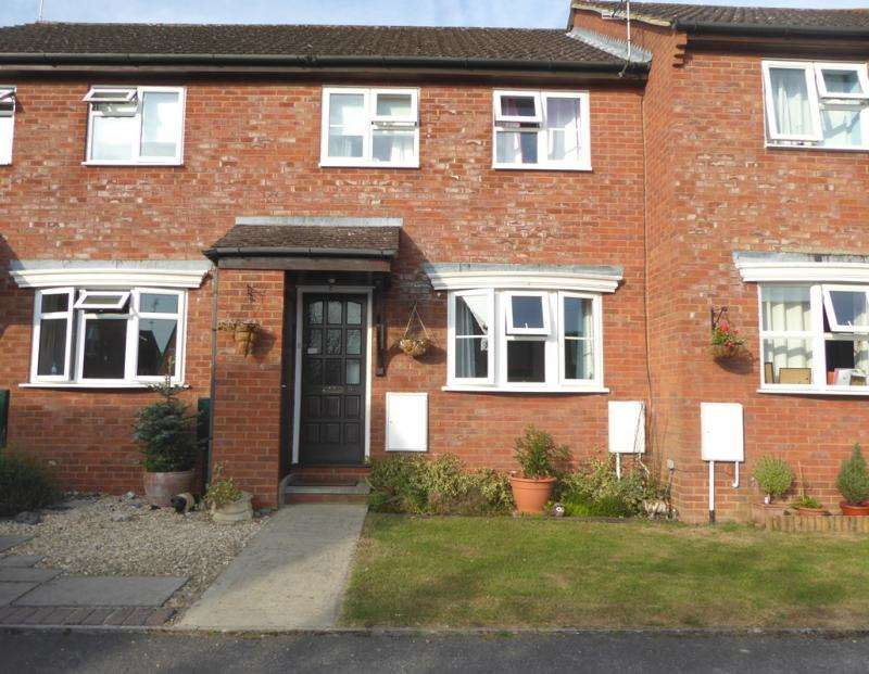 3 Bedrooms Terraced House for sale in 9 Wessex Close
