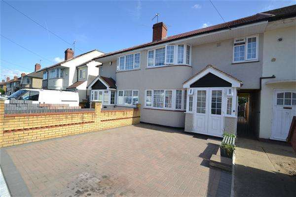 4 Bedrooms Terraced House for sale in Longford Avenue, Bedfont
