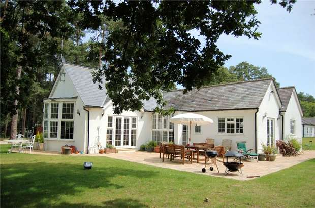 4 Bedrooms Cottage House for sale in Tilford, Farnham