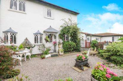 2 Bedrooms Semi Detached House for sale in Heol Y Fedwen, Belgrano, Conwy, North Wales, LL22