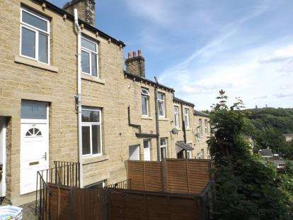 2 Bedrooms Terraced House for sale in Upper Mount Street, Huddersfield, West Yorkshire