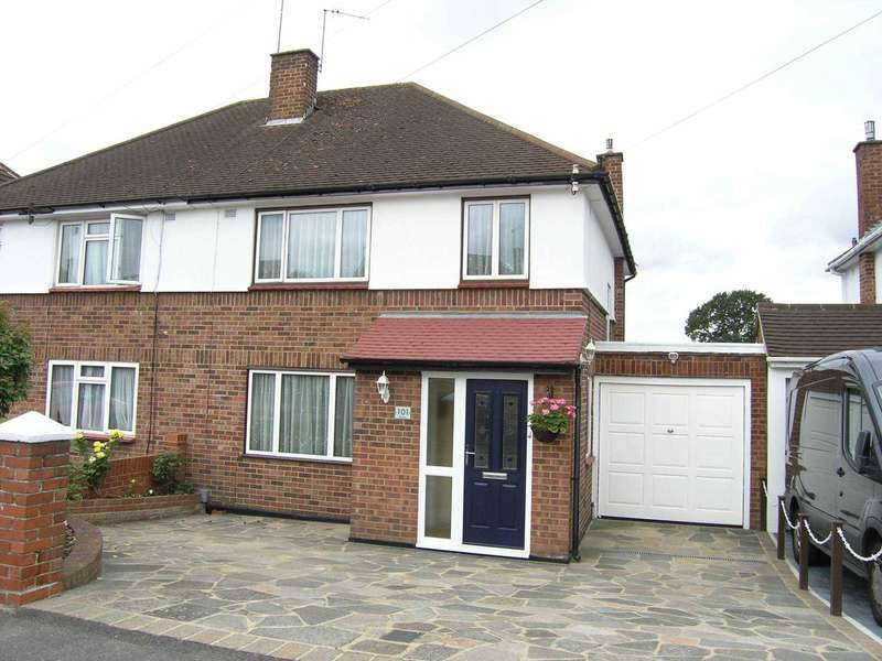 4 Bedrooms Semi Detached House for sale in Mill Way, North Bushey