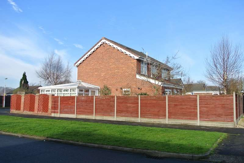 4 Bedrooms Detached House for sale in Hollytree Avenue, Hull, East Yorkshire, HU5