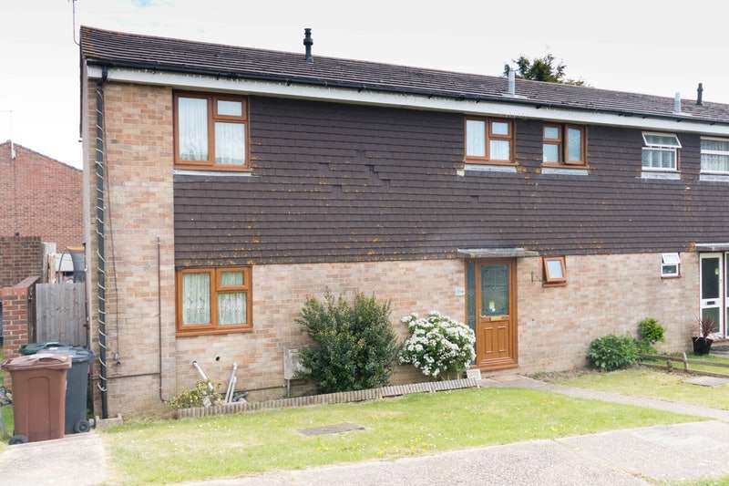 5 Bedrooms Semi Detached House for sale in Observatory View, Hailsham, East Sussex, BN27