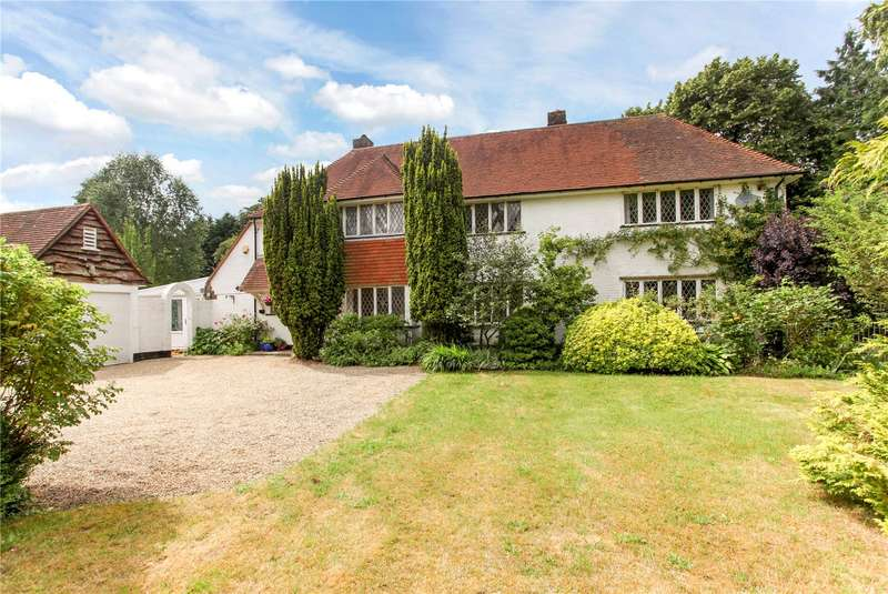 4 Bedrooms Detached House for sale in Foxburrow Hill Road, Bramley, Guildford, Surrey, GU5