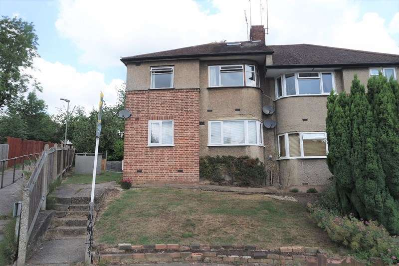 2 Bedrooms Maisonette Flat for sale in Avondale Avenue, East Barnet