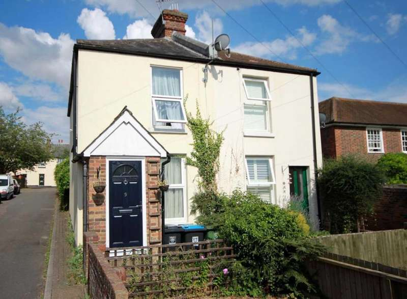 2 Bedrooms Semi Detached House for sale in 2 BED SEMI-DETACHED CHARACTER COTTAGE in St Marys Road, Old Town