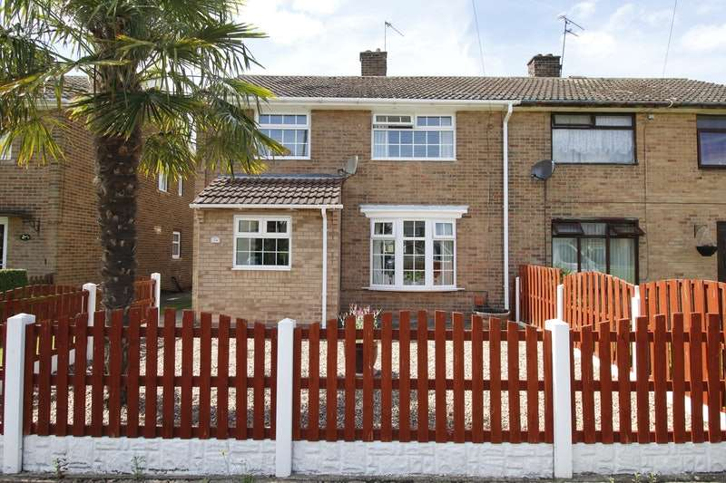 3 Bedrooms Semi Detached House for sale in Greenway, Retford, Nottinghamshire, DN22
