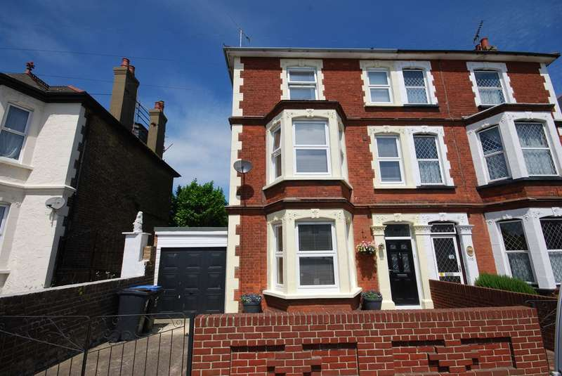 6 Bedrooms Semi Detached House for sale in Canterbury Road, Margate