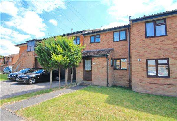 3 Bedrooms Terraced House for sale in Aspen Gardens, Poole