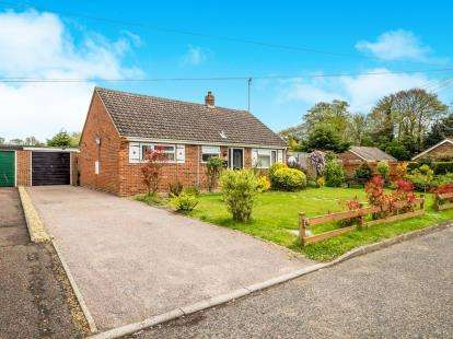3 Bedrooms Bungalow for sale in Ludham, Great Yarmouth, Norfolk