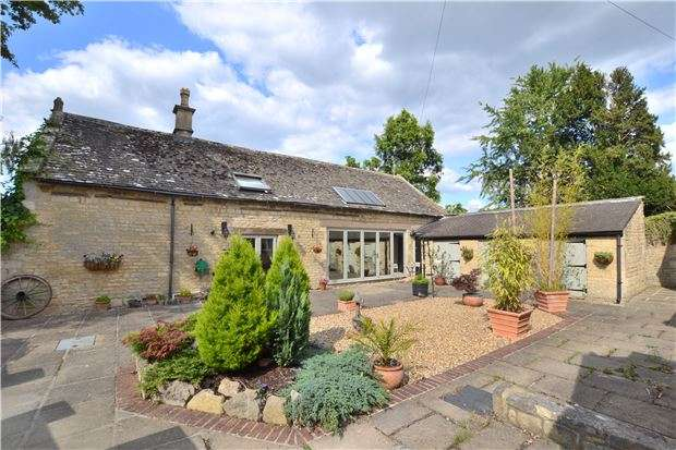 3 Bedrooms Property for sale in The Carriage House, Evesham Road, Bishops Cleeve, CHELTENHAM, Gloucestershire, GL52 8DQ