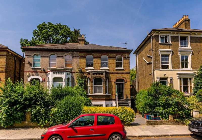 2 Bedrooms Flat for sale in Oxford Road North, Chiswick, W4