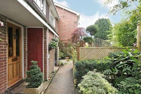 1 Bedroom Flat for sale in Dean Rise, Hurstbourne Tarrant, Andover