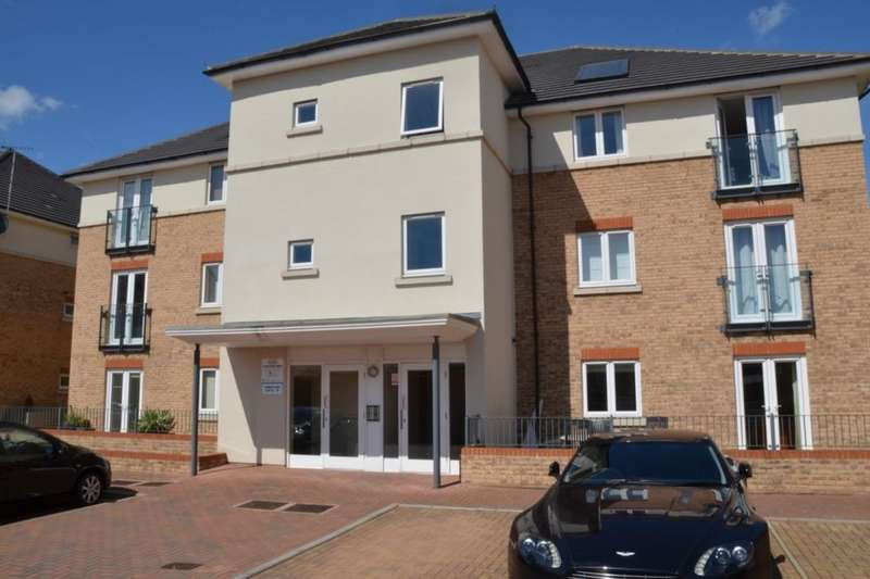 1 Bedroom Flat for sale in Fairwater Drive, Shepperton, TW17