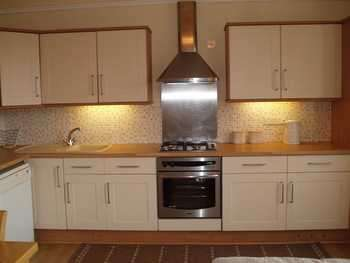 2 Bedrooms Flat for rent in NEWCASTLE DRIVE, NOTTINGHAM