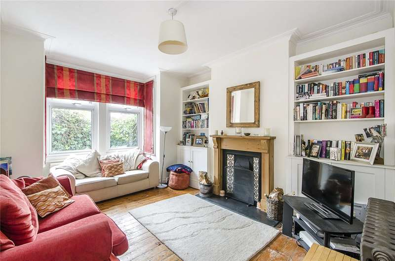 2 Bedrooms Flat for sale in Mandrake Road, London, SW17