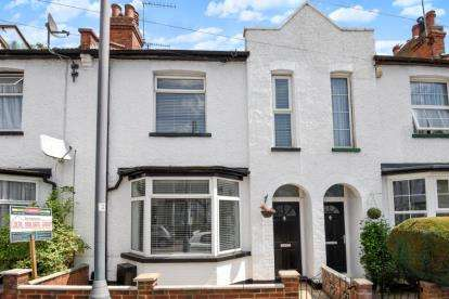 3 Bedrooms Terraced House for sale in Glenhaven Avenue, Borehamwood, Hertfordshire