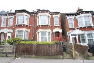 3 Bedrooms End Of Terrace House for sale in Whitehorse Lane, London