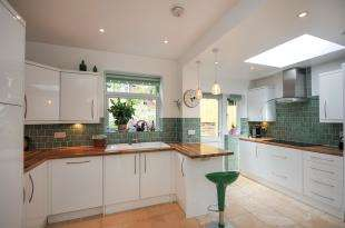 3 Bedrooms House for sale in Ballards Way, South Croydon, .
