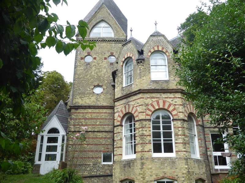 5 Bedrooms Detached House for sale in Malling Street, Lewes