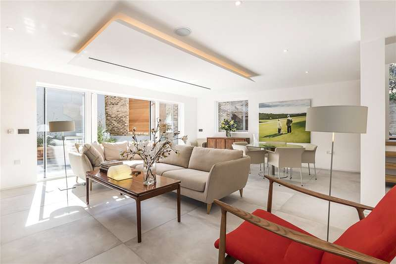 2 Bedrooms Flat for sale in Birdsong, Lycett Place, London, W12