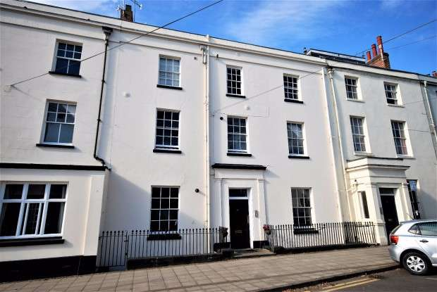 2 Bedrooms Apartment Flat for sale in Portland Place West, Leamington Spa, CV32