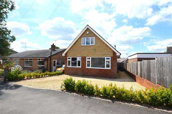 3 Bedrooms Detached House for sale in Parkstone Avenue, Newcastle, Newcastle-under-Lyme