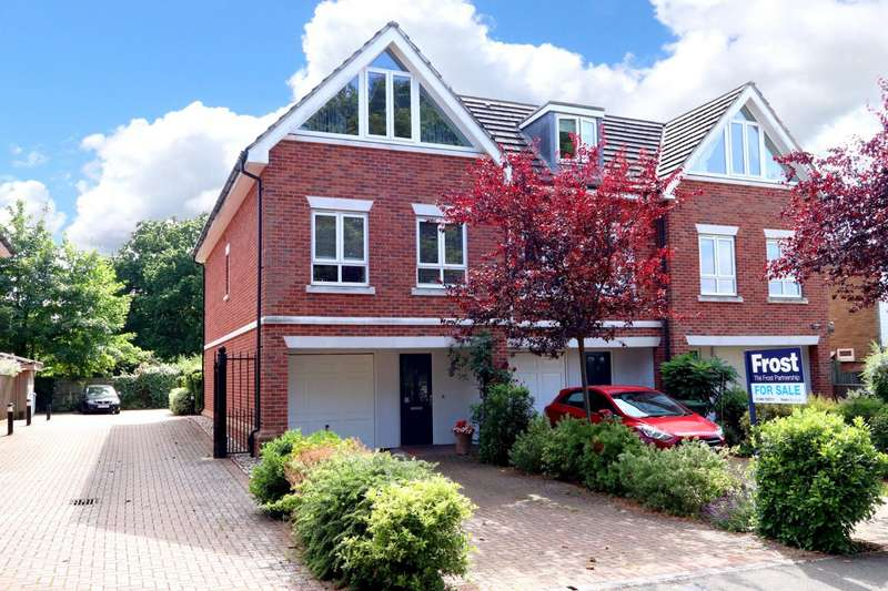 4 Bedrooms Town House for sale in Chiltern Mews, Lincoln Park, Amersham, HP7