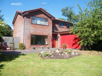 4 Bedrooms Detached House for sale in Beauty Bank, Darnhall, Winsford, Cheshire