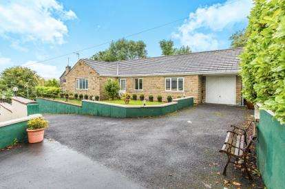 3 Bedrooms Bungalow for sale in Moseley Road, Burnley, Lancashire, BB11