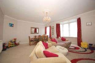 3 Bedrooms Maisonette Flat for sale in Framfield Road, Uckfield, East Sussex