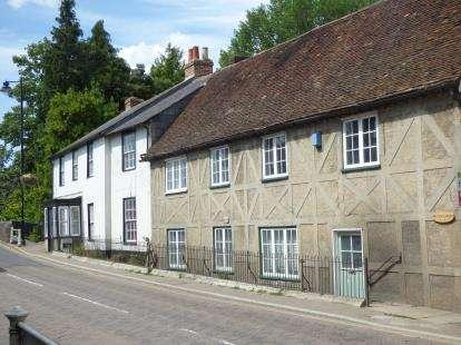 2 Bedrooms Flat for sale in Fordingbridge, Hampshire