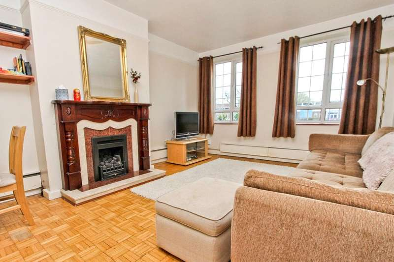 2 Bedrooms Ground Maisonette Flat for sale in Tolcarne Drive, Pinner