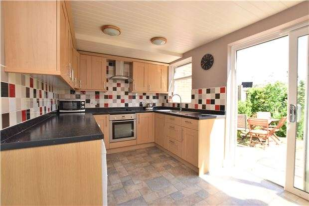 3 Bedrooms Terraced House for sale in Royston Avenue, SUTTON, Surrey, SM1 3PX