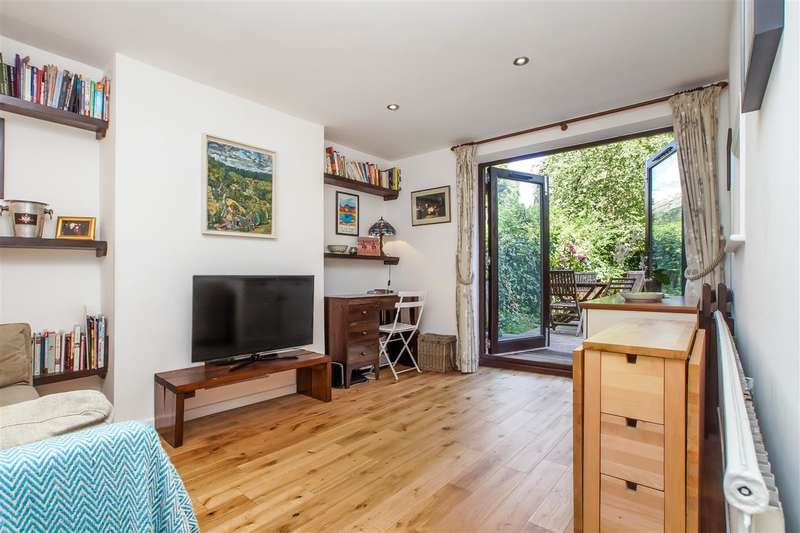 2 Bedrooms Apartment Flat for sale in Brecknock Road, London