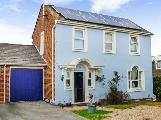 3 Bedrooms Link Detached House for sale in Wadham Place, Sittingbourne, Kent