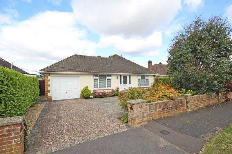 3 Bedrooms Detached Bungalow for sale in Barton Croft, Barton On Sea, New Milton