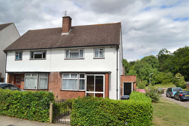 3 Bedrooms Semi Detached House for sale in Sheepcot Lane, Watford