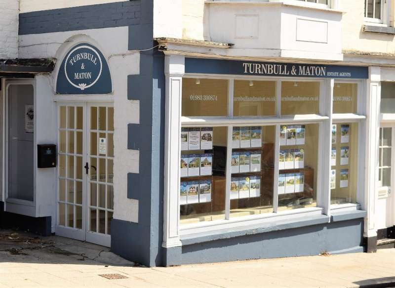 Showroom Commercial for sale in 48 High Street, Brading, Isle of Wight, PO36 0DJ