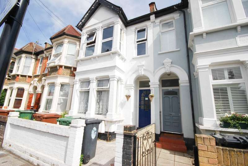 2 Bedrooms Flat for sale in Twickenham Road, Leytonstone